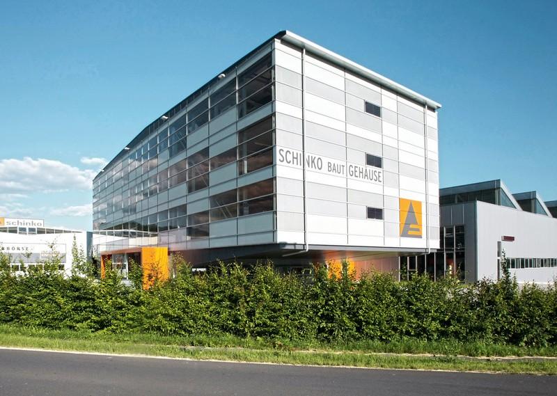 Außenansicht der Gehäusetechnik Firma Schinko in Neumarkt i. M.