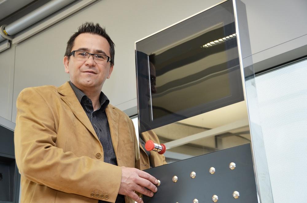 Helmut Undesser - Mitarbeiterportrait von Produktions- und Logistikleiter Helmut Undesser.