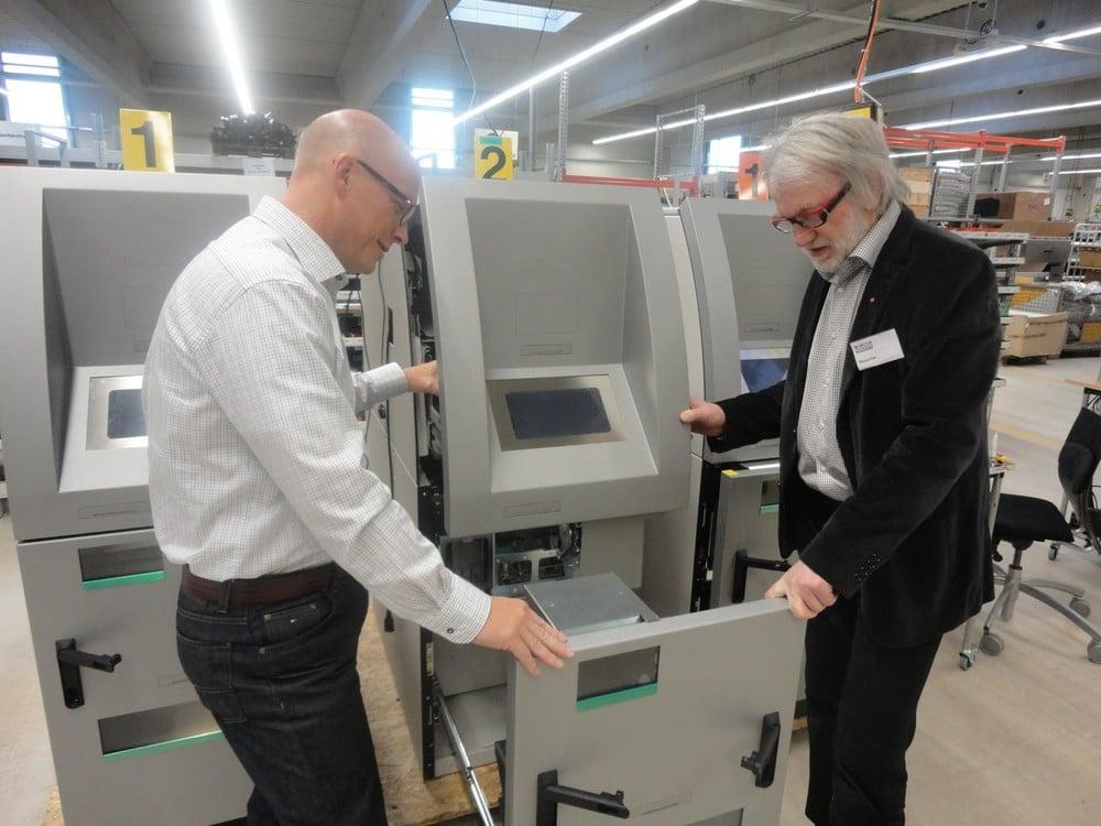 Schinko steigert deutlich die Exportquote - Michael Schinko und Münzzähl Automaten Pro Cash.