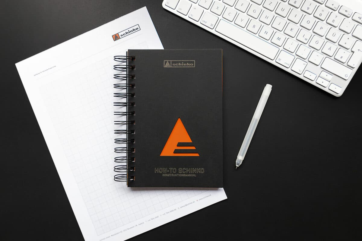 Schinko Konstruktionsmanual mit Stift und Tastatur - Das neue Schinko Konstruktionsmanual