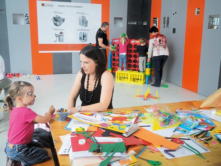 Grillen mit Familien ... - Kinderbetreuung durch zwei Spielpädagoginnen der Kinderfreunde Mühlviertel.