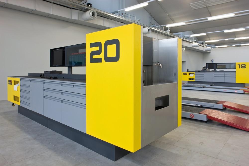 Die neuen ÖAMTC-Workstations - Die  ÖAMTC-Workstations hat ein ansprechendes Äußeres, erlaubt kurze Wege und die Bündelung aller Hilfsmittel.