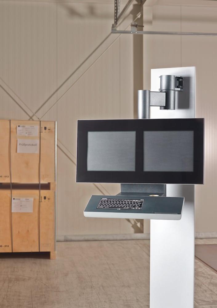 Bediengehäuse für Kunststoff-Fertigungsanlagen