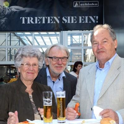 Schinko 25 Jahr Feier - Geschäftsführer Michael Schinko und Gäste beim MitarbeiterInnen-Fest bei der 25 Jahr Feier der Firma Schinko..