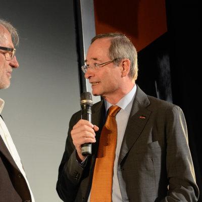 Schinko 25 Jahr Feier - Ehrung von Präsident der Wirtschaftskammer Österreich Dr. Christoph Leitl von Geschäftsführer Michael Schinko beim Festakt zur 25 Jahr Feier der Firma Schinko.