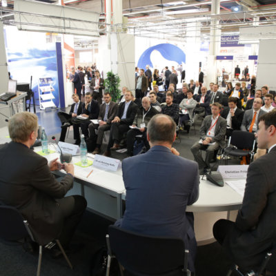 SPS IPC Drives 2015 - Podiumsdiskussion auf der SPS IPC Drives Messe 2014.