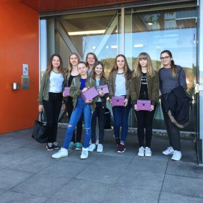 Mädchen an die Werkbänke - Der Technik-Talentinnen-Tag bei Schinko.