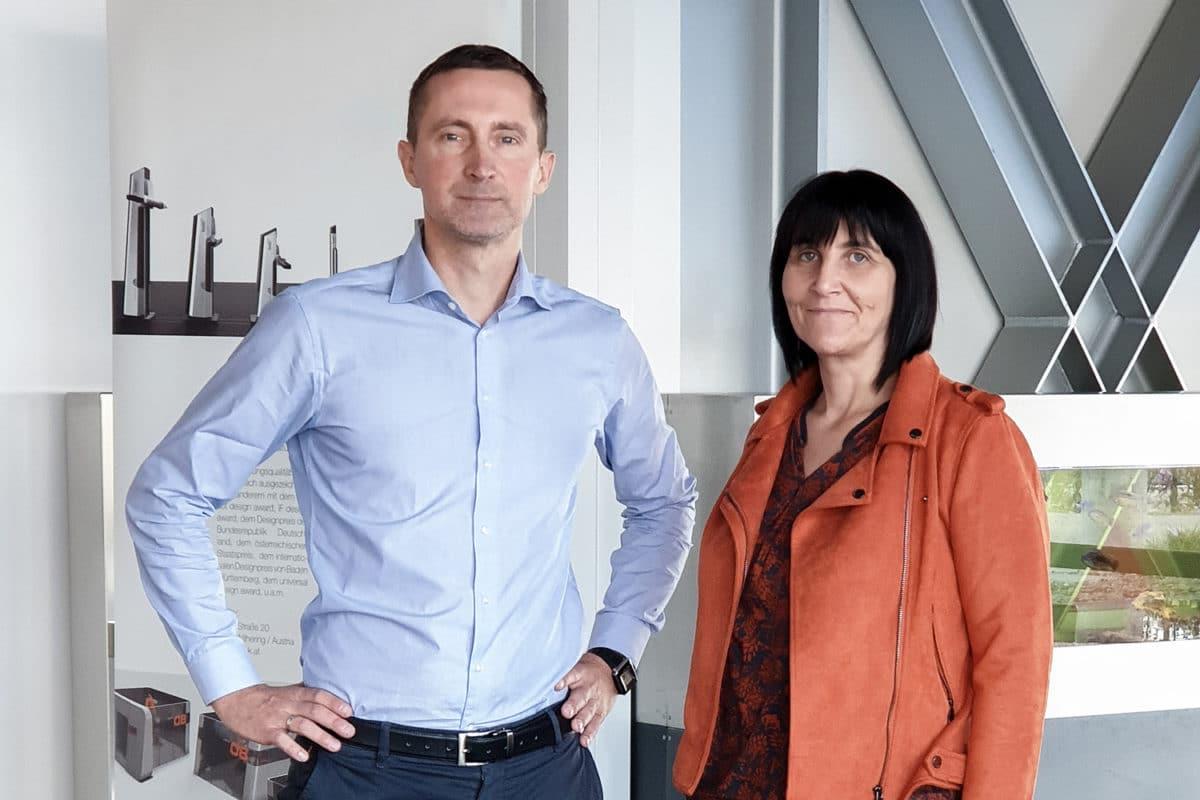 - Seit Frühling 2019 sind Herr Deinhofer als neuer Betriebsleiter und Frau Sebesta als neue Empfangskraft tätig.